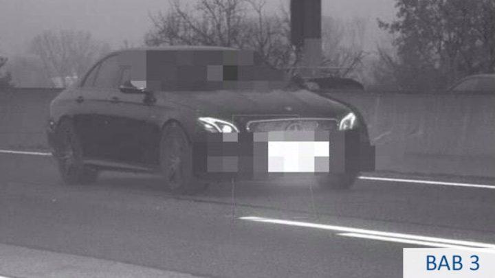 Der deutsche Fahrer übertraf die Geschwindigkeit um 164 km / h.