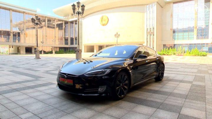 Der belarussische Präsident Lukaschenko hat versprochen, dass Belarus eher auf Elektroautos als auf Länder in Europa umsteigen wird.