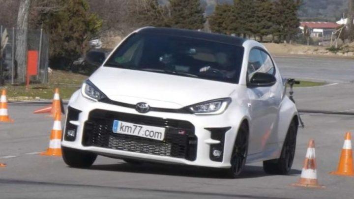 Der Toyota Yaris GR hat einen Elchtest bestanden.  Was ist die Höchstgeschwindigkeit im Test?