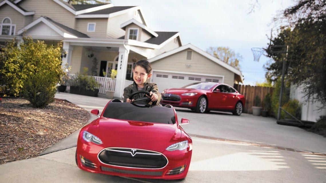In Amerika kaufte ein Kind ein Upgrade für ein Tesla-Fahrzeug für 10.000 US-Dollar.