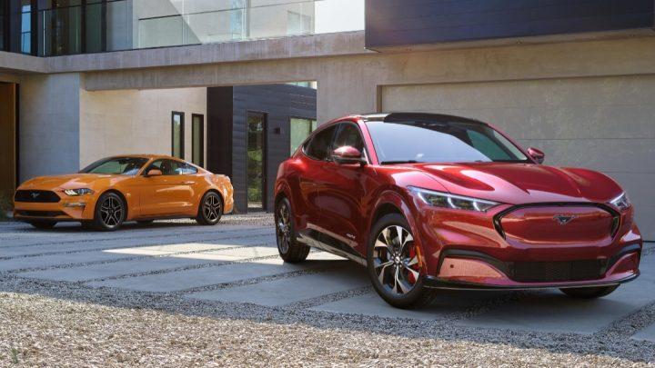 Ford stellt mehr elektrische Mustangs her als elektrische.