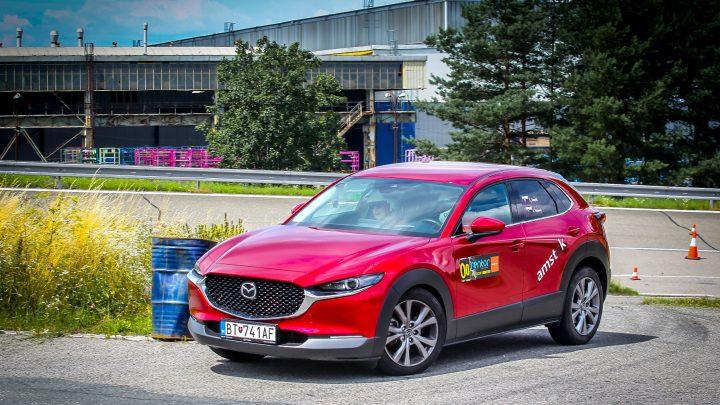 Der Mazda CX-30 Skyactiv-G150 bietet Fahrspaß. Mazda und ich haben es bei einer Rallye versucht.